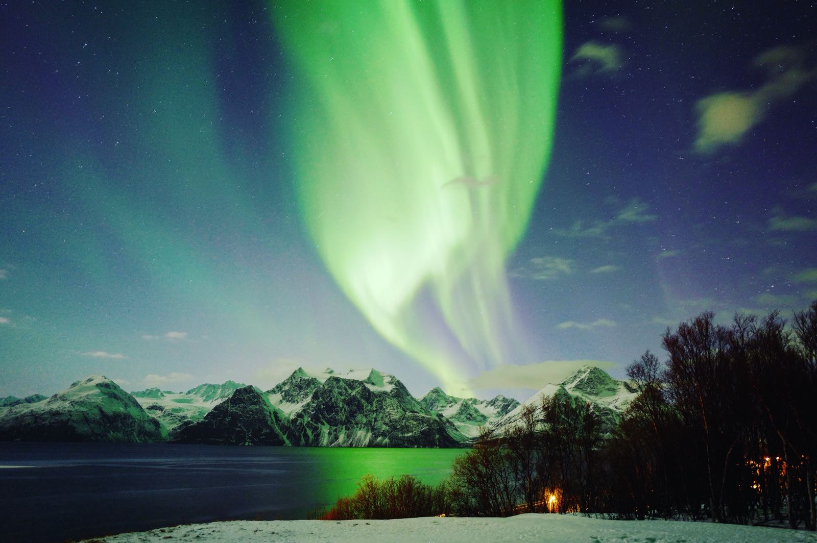 Northern_lights_norway_lyngen_aurora