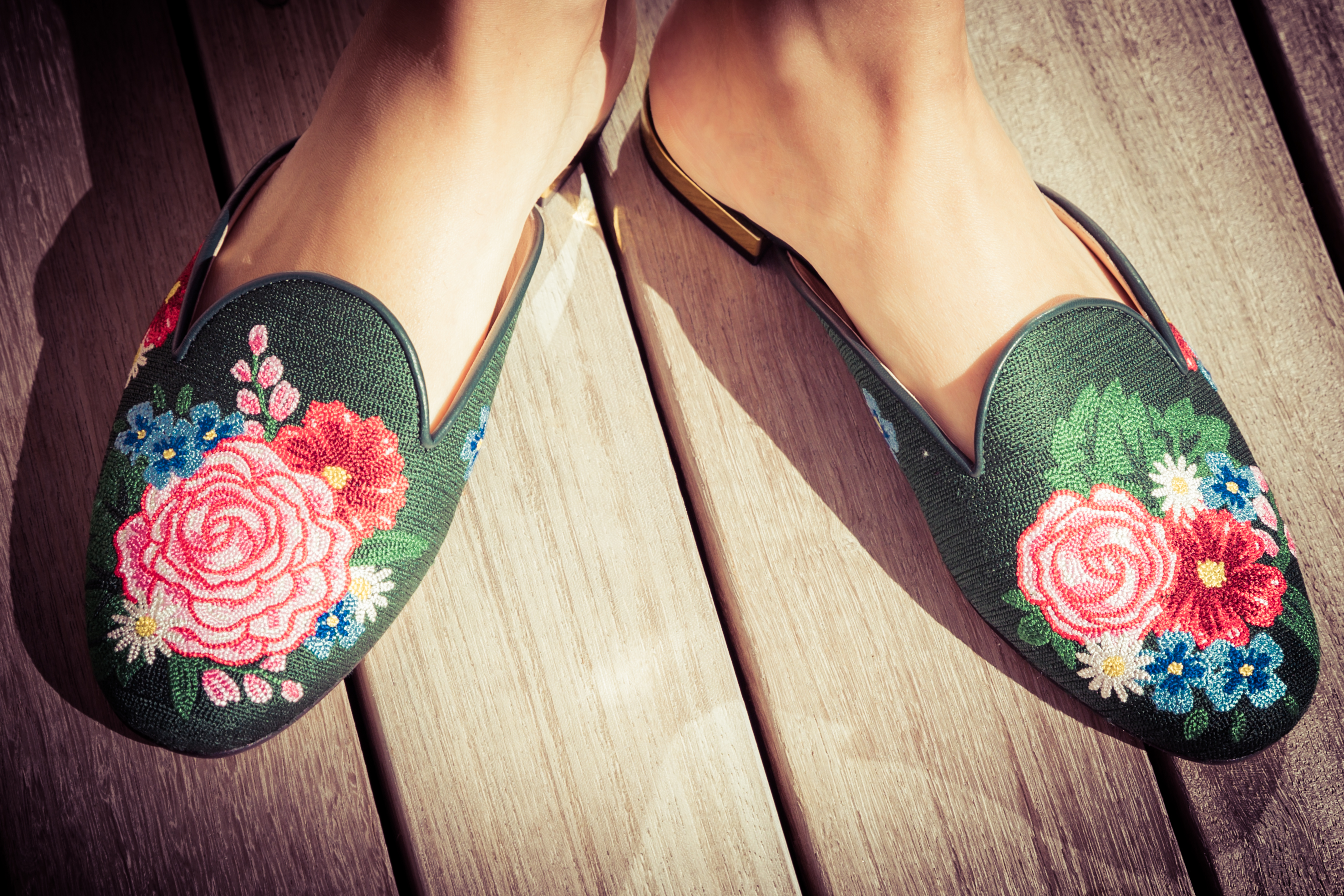 charlotte-olympia-green-shoes-flats-pink-flowers