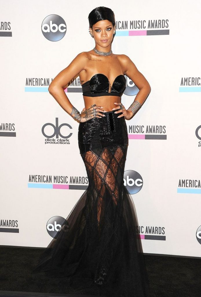 Rihanna in Jean Paul Gautier, American Music Awards, 2013