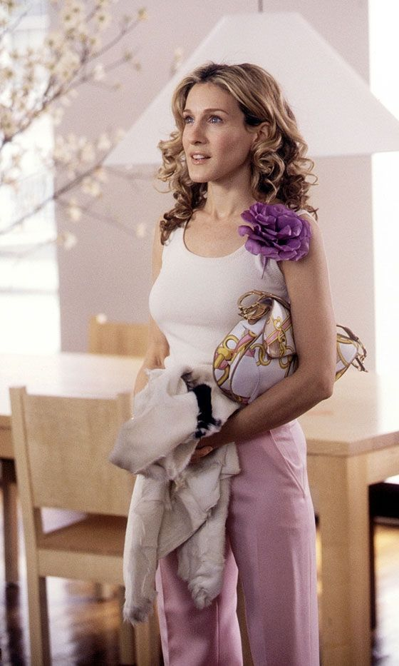 carrie-bradshaw-dior-saddle-bag-sex-in-the-city