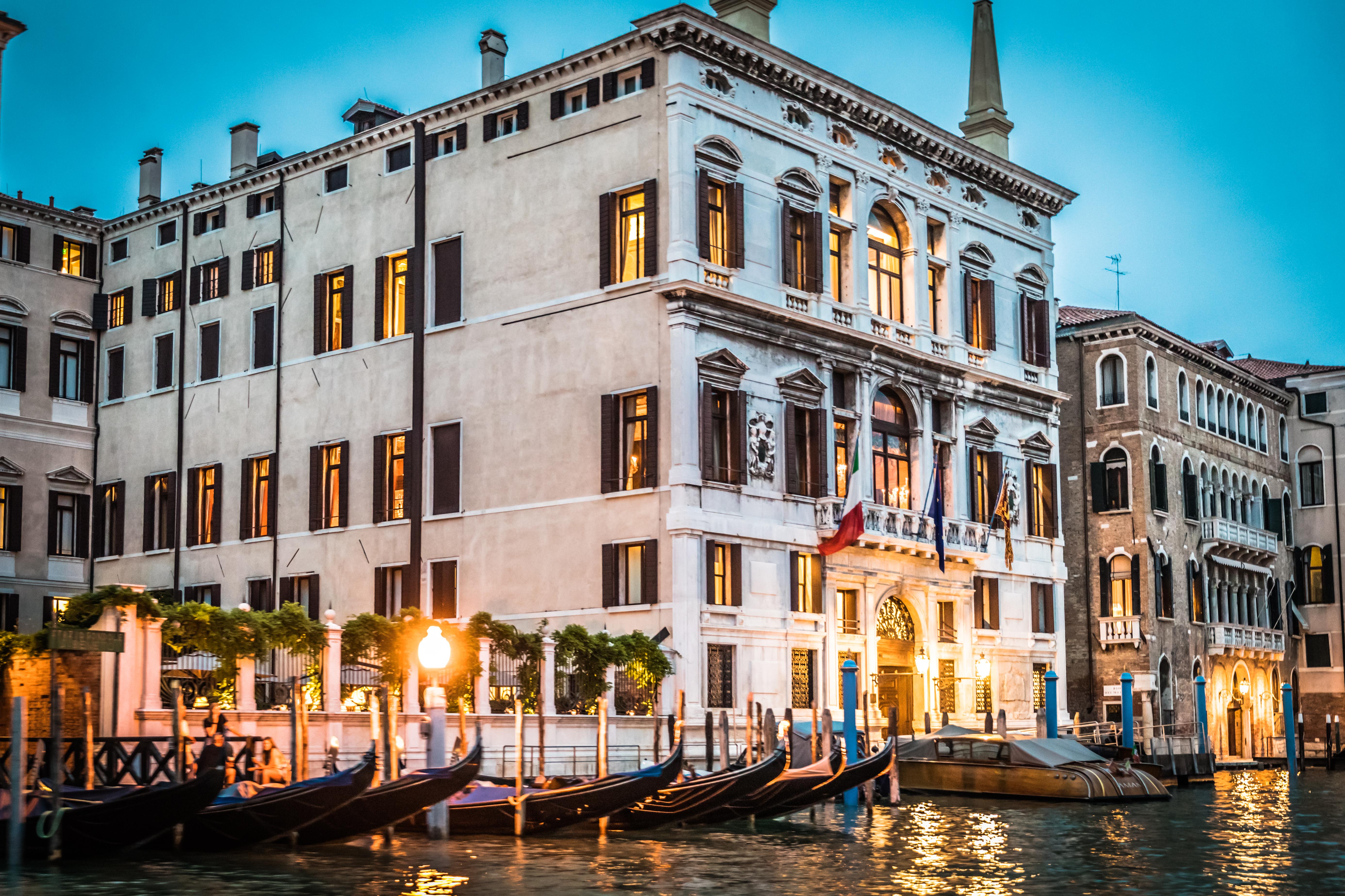 aman-venice-italy-grand-canal-palazzo-papadopoli-palace